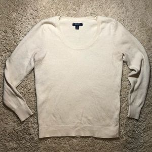 5/$20 Old Navy size large white swoop neck sweater